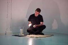 21.11.2019 Roomservice 2019 im Kunsthaus Rhenania, veranstaltet von bodyincrisis. IHR AUFTRITT-DER ANDERE DIESSEITS DES GRABENS Max Heller